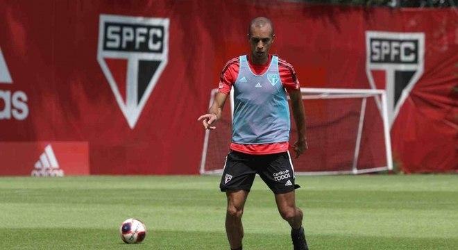 Miranda, de 36 anos, é o principal reforço do São Paulo para 2021
