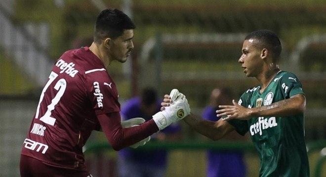 Com 19 meninos contra o São Bento, Palmeiras bate recorde em utilização da base