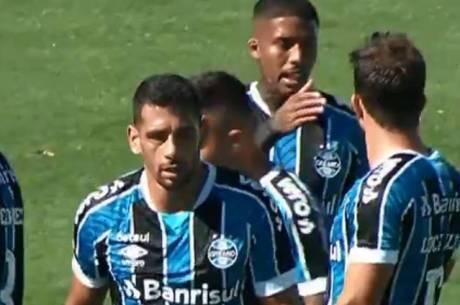Diego Souza fez gol do Grêmio