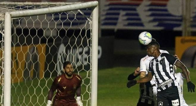 Botafogo voltou a vencer o Paraná pela Copa do Brasil