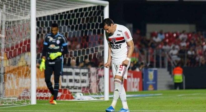 Pablo lamenta chance perdida pelo São Paulo em jogo no Morumbi