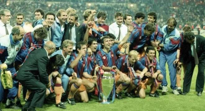 Time treinado por Cruyff iniciou dinastia no futebol espanhol