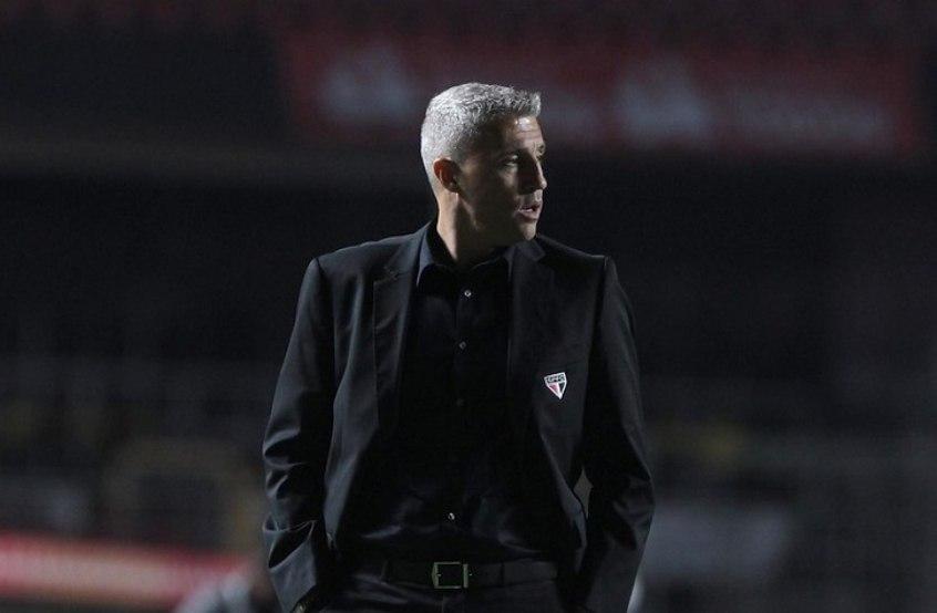 Crespo aprova desempenho do São Paulo: 'Jogamos contra a melhor equipe da temporada'