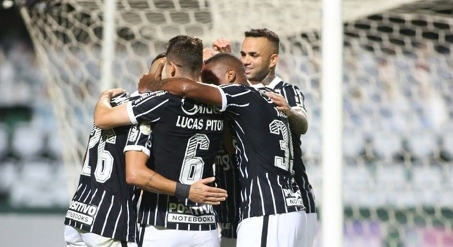 Corinthians comemorou mais do que uma vitória importante no Brasileirão