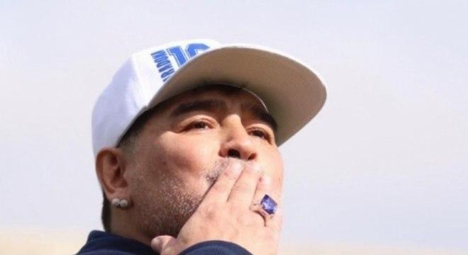 Maradona teve uma vida de 'excessos' e morreu aos 60 anos