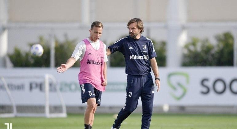 Em baixa na Juventus, Arthur pode reforçar o PSG na próxima temporada
