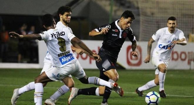 Santos e Vasco enfim realizaram jogo da terceira rodada do Brasileirão 2018