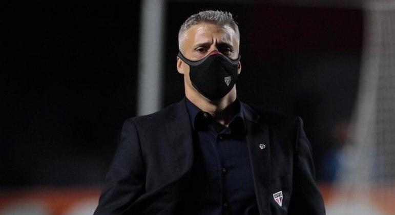Crespo tem respaldo da diretoria após tirar São Paulo da fila, mesmo com instabilidade no Brasileirão