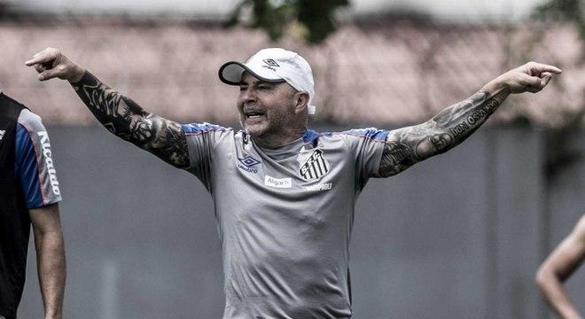 Jorge Sampaoli, em treino do Santos, nesta terça-feira, no CT Rei Pelé