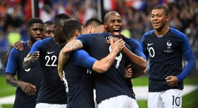 França vence a Irlanda por 2 a 0
