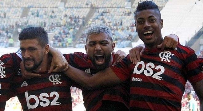 Ataque do Rubro-Negro em alta com Arrascaeta, Gabigol e Bruno Henrique