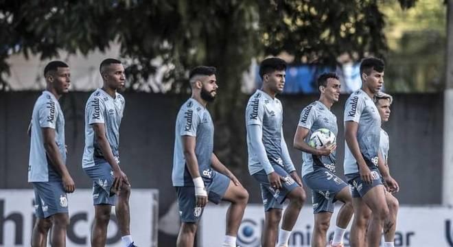 Diversas peças do Santos já atrairam o interesse de outros clubes