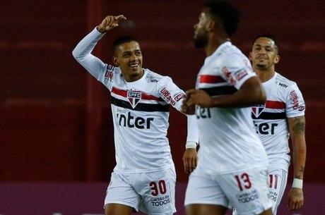 Brenner foi destaque do São Paulo contra Lanús