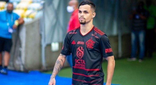 Michael tenta ganhar espaço e é líder de assistências no Carioca
