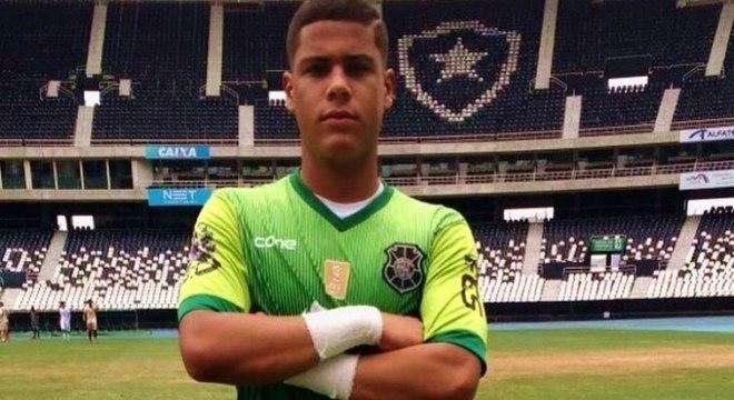 Augusto Freitas, goleiro de 21 anos, morre em acidente de carro no ES