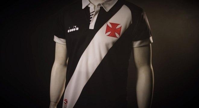 c07cc66a8 Vasco divulga imagem da nova primeira camisa - Esportes - R7 Futebol