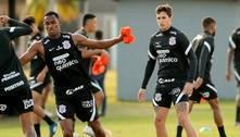 Corinthians: Mateus Vital treina com bola e se aproxima de retorno