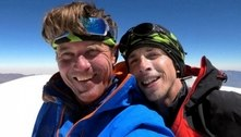 Alpinistas descem de montanha atingida por ciclone no Nepal