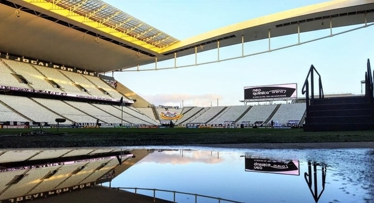 Neo Química Arena vai receber o clássico entre Flamengo e Fluminense, no domingo (4)