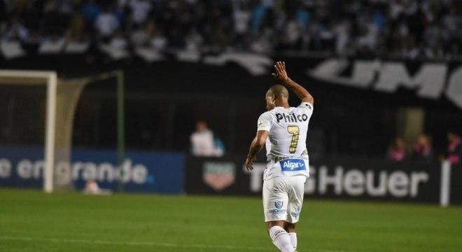 Carlos Sánchez deve desfalcar o Santos em jogo contra o Grêmio
