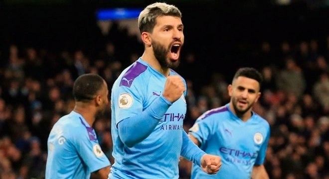 Argentino Sergio Agüero fez um dos gols do City na vitória sobre o Sheffield