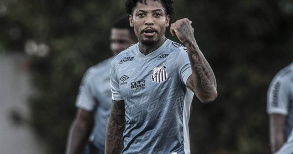Após gol contra o Ceará, Marinho comemora marca pessoal: 'Ainda mais especial por ter sido no Santos'