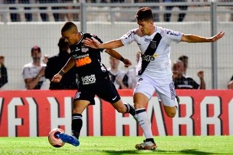 Corinthians teve muita dificuldade contra Ponte