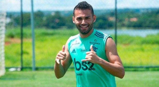 Sinuca com ER7, conversas com Diego e orientações do Mister: Thiago Maia e o início no Flamengo