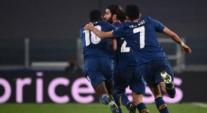 Porto e Chelsea podem se enfrentar na Espanha em jogo de ida