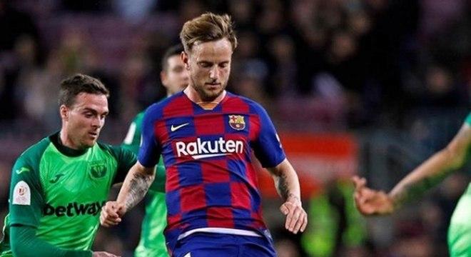 Rakitic quer voltar a jogar futebol na Espanha