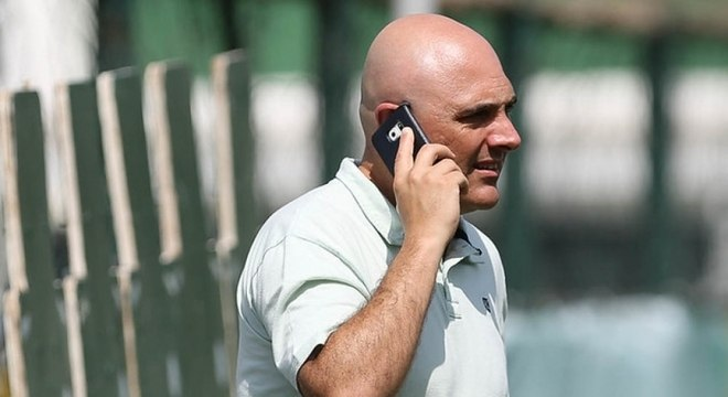 Presidente do Palmeiras não deu esperança para contratação de astros neste ano