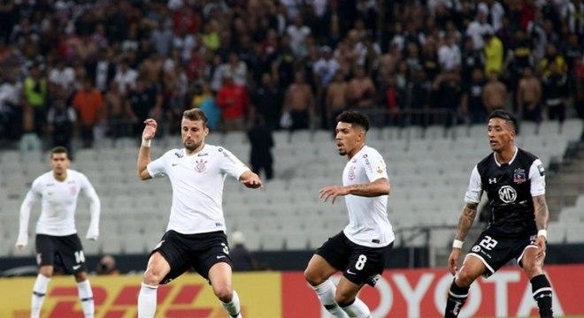 Corinthians foi eliminado da Libertadores pelo Colo-Colo