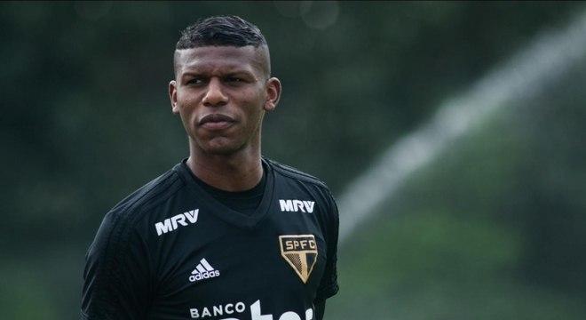 f91e7fb374 Arboleda é convocado e desfalca o São Paulo em duas partidas - Lance ...