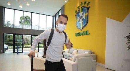 Everton Ribeiro é um dos destaques da seleção
