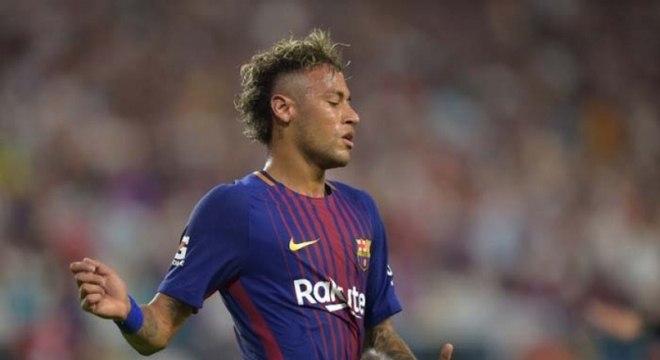 Neymar terá que comparecer ao banco dos réus