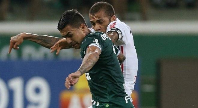 Na vitória sobre o São Paulo, Dudu deu mais uma assistência em clássicos