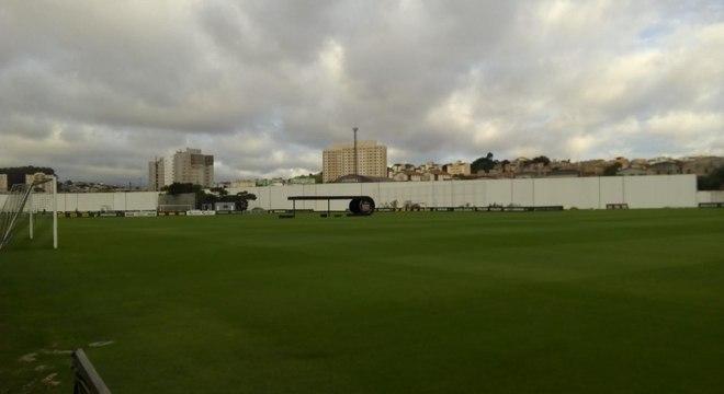 Torcedores entraram no local de treinamento do Corinthians