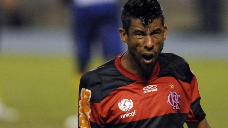 3º - Léo Moura - 2005-2015 - 47 gols em 514 jogos
