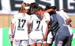 Já o time feminino do Santos teve 22 atletas diagnosticadas nos últimos dias e, por isso, foi derrotado por WO pelo São José no Campeonato Paulista da categoria, já que não teria jogadoras suficientes para entrar em campo