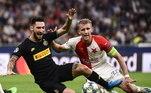Slavia Praga – O clube tcheco confirmou um surto de coronavírus em seu elenco e disse que só há 14 jogadores disponíveis para os próximos compromissos.