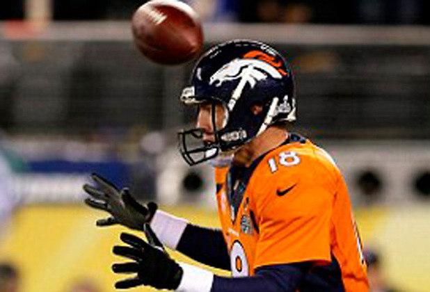 Lance de 25 mil dólares: O Super Bowl XLVIII começou estranho. A primeira jogada de ataque foi marcada por um fumble sofrido pelo Denver Broncos e recuperado pelo Seattle Seahawks. A jogada incomum no futebol americano rendeu 25 mil dólares ao apostador Jona Rechnitz. O Seahawks venceu o Broncos por 43 a 8.