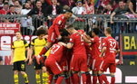 Bayern de Munique - Neuer, Kimmich, Boateng, Alaba, Davies; Thiago, Goretzka, Gnabry; Müller, Messi e Lewandowski. Técnico: Hans-Dieter Flick