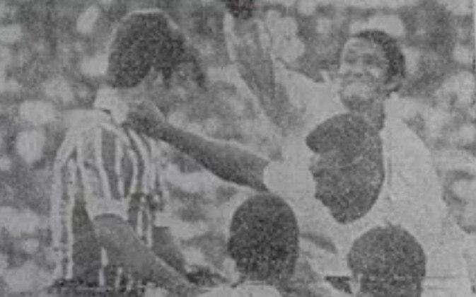 O Bahia e América-SP sofreram, cada um, 15 gols de Pelé. O Tricolor baiano, contudo, tem um orgulho:
