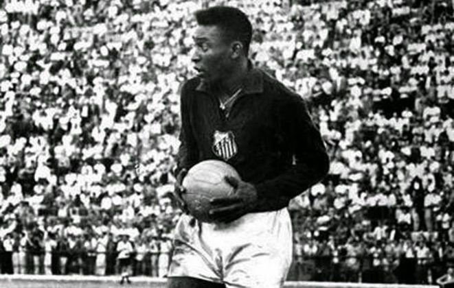 Pelé marcou dez gols no Grêmio, clube contra o qual protagonizou um lance inusitado na semifinal da Taça Brasil de 1963. Quando Gylmar dos Santos Neves foi expulso, o