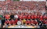 Clube com rica história na Alemanha, o Kaiserslautern declarou falência neste ano. Na terceira divisão e devendo em torno de 24 milhões de euros (cerca de R$ 140 milhões), o objetivo é reestruturar o clube rapidamente