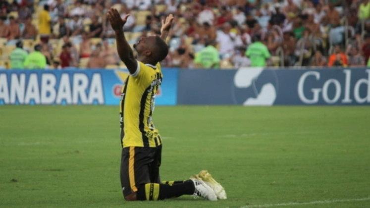 João Carlos - Ao lado de Caio Dantas, o atacante do Volta Redonda é o vice-artilheiro do Campeonato Carioca com 7 gols, apenas um atrás de Gabigol