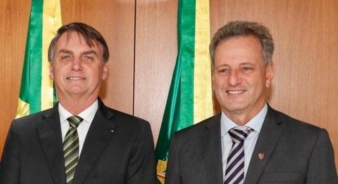 Landim com Bolsonaro. Ganhou o apoio do presidente para a volta do futebol
