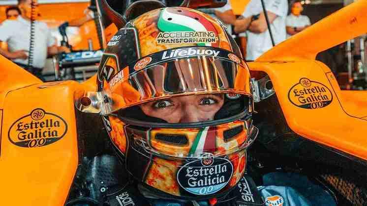 Lando Norris e seu capacete com desenho de pizza para o GP da Itália