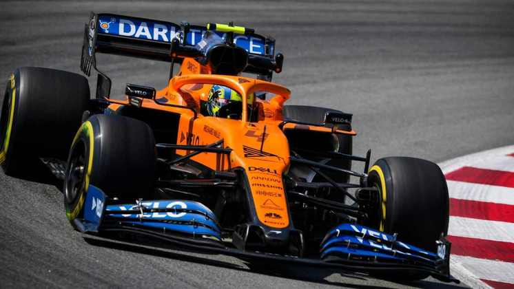 Lando Norris ficou a 1s6 atrás do líder Lewis Hamilton no TL2