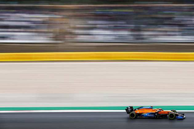 Lando Norris terminou a corrida em Portimão apenas na 13ª colocação
